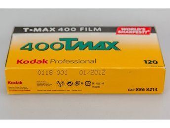 5x rolls of Kodak 400 Tmax 120 size unopened packet,out of date but kept cool.