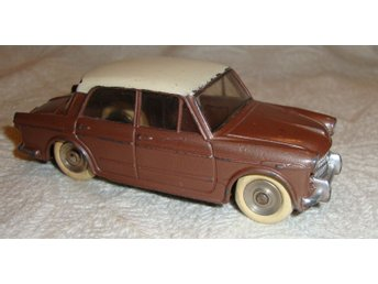 Dinky Toys Fiat 1200 Made in France Meccano