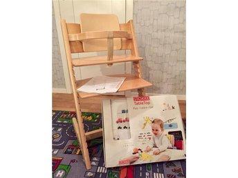 Tripp trapp barnstol, inklusive babyset och tripp trapp table top. - Västra Frölunda - Tripp trapp barnstol, inklusive babyset och tripp trapp table top. - Västra Frölunda