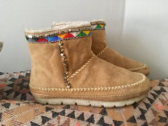 39 native BOOTS mockasiner indian fårskinn päls mocka skor Laidback London.