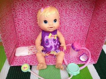 Baby Alive Drink and Wet Baby docka - Skarpnäck - Baby Alive Drink and Wet Baby docka - Skarpnäck
