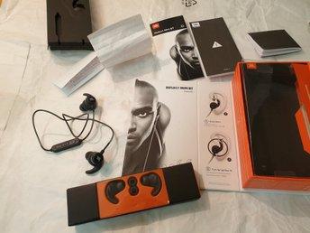 JBL Reflect Mini Bt Bluetooth Hörlurar. (333140735) ᐈ Köp på Tradera 69fc8ba9d96bf