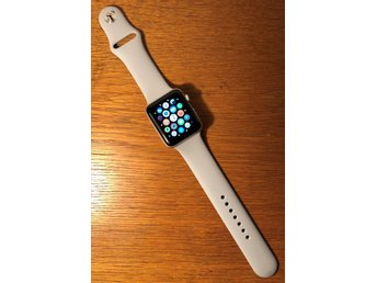 Apple Watch Series 3 (GPS) 42mm silver/grå