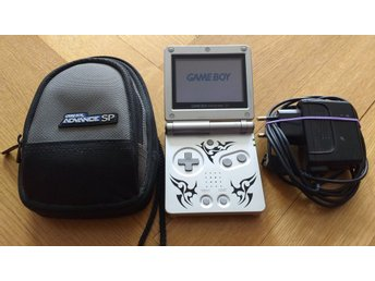 Gameboy / GBA / Game Boy Advance SP (AGS-001) + laddare & väska
