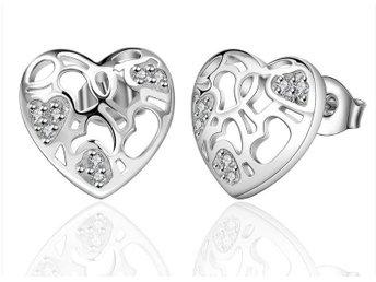 Örhängen Silver Hjärta med Kristaller - Eskilstuna - Örhängen Silver Hjärta med Kristaller - Eskilstuna