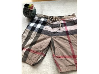 Äkta burberry bad shorts XL Nova check mönster