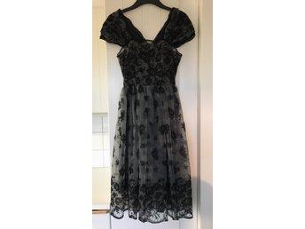 Vacker retro klänning, gråsvartspetsH&M: got.. (377734397
