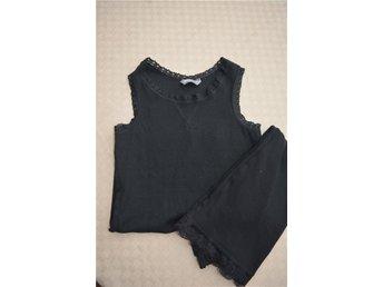 2 st ribbade svarta linnen med spetskant - Lindex , storlek: 128 - Eskilstuna - 2 st ribbade svarta linnen med spetskant - Lindex , storlek: 128 - Eskilstuna