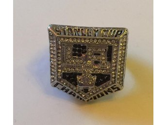 Los Angeles Kings LA Stanley Cup ring hockey NHL Gretzky Doughty Kopitar