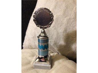 pokal pris trofé silver blå på marmorsockel 21 cm - Mora - pokal pris trofé silver blå på marmorsockel 21 cm - Mora