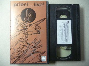 "JUDAS PRIEST - SIGNERAD VHS ""PRIEST LIVE"" - SIGNED"