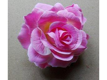 Javascript är inaktiverat. - Alingsås - Hårblomma rosa ros med rejäl klämma baktill. Ca 10 cm i diameter. Vinnande bud ska betalas inom 5 dagar. Jag postar alltid samma dag eller senast dagen efter. Tänk gärna på att frakten blir densamma för 2-3 blommor av medelstorlek. - Alingsås