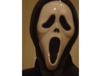 Javascript är inaktiverat. - Hammerdal - Scream mask med tyg på baksidan som håller den fast på ansiktet. Betalningsinformation kommer i Traderas vinnarmail. - Hammerdal